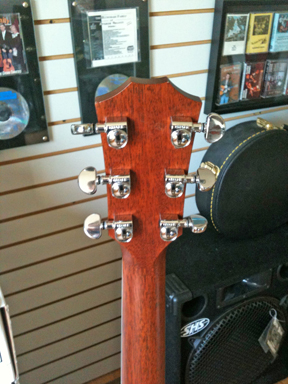 Taylor - 410 headstock